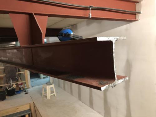 Abbau des unnötigen Stahlträgers
